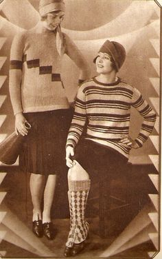 Youthful 1920s knitwear looks. #sweaters #vintage #fashion #1920s
