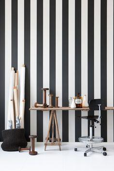 black and white striped walls.....looooove it.