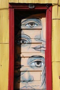 Painted door, Valparaiso.