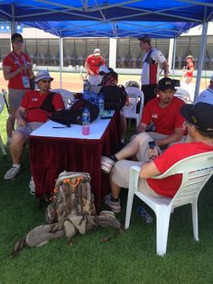 The #TeamUSA recurve men getting a quick chance to relax in this grueling 144 arrow ranking round! #WCShanghai