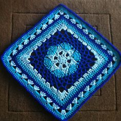 Ravelry: Impossible Hexagon 12 inch Afghan Granny Square pattern by Stramenda