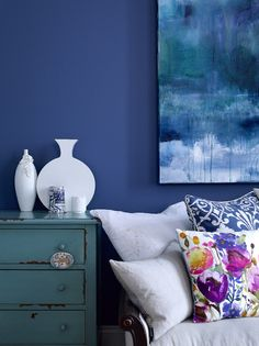 Blue Paint | Wall Color | Throw Pillow | Watercolor Trend | Colorful Wallpaper | Abstract Pattern | Home Design