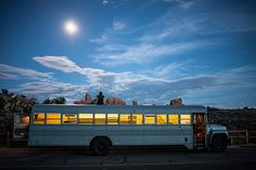 House on Wheels: Architecture Student Converts Old School Bus Into Modular Living Space