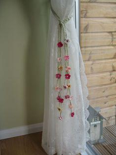 Crochet Tiebacks cherri, crochet flowers, little girls, crochet curtains, pattern, curtain tie backs, ties, little girl rooms, garden