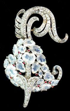 RARE 1940 Alfred PHILIPPE Crown TRIFARI  Moonstone Fruit Salad Rhinestone Heart with Piercing Arrow Dress/Fur Clip Brooch Pin