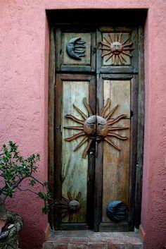 door of the casita san miguel de allende,