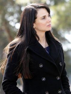 MIA KIRSHNER on Pinterest | Mia Kirshner, The Vampire ...