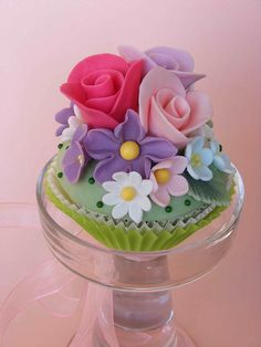 Flower cupcake, via Flickr.