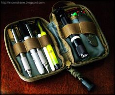 County Comm delrin pico pull with paracord two-strand wall knot zipper pull on a pocket EDC organizer