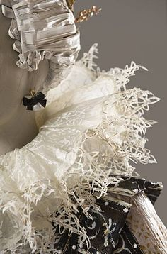 lace in paper - Isabelle de Borchgrave