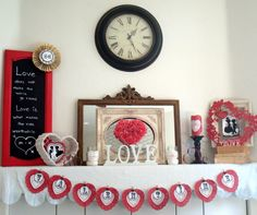 Valentine Mantel beauti valentin, chic decor, vintage valentines, starshin chic, valentine day, valentin flashback, valentin mantel, mantl, valentin decor