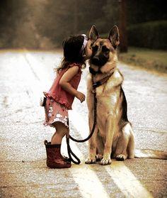 a kiss, little girls, anim, pet, german shepherds