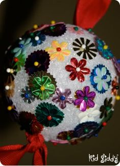 Sequin Ball Ornament for Kids #kids #diy #crafts #christmas #ornaments #homemade #crafty #holiday