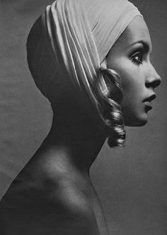 Twiggy for Vogue. S)