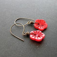 Wire and buttons earrings...cute!