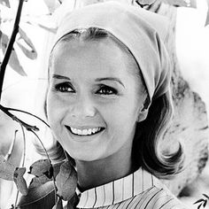 Get Debbie Reynolds' Girl-Next-Door Look