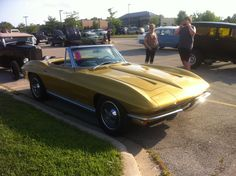63 or 64 Vette convertible I saw recently at a car show. Generation is my favorite.