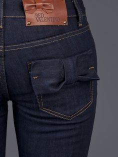 Bow pocket jeans.