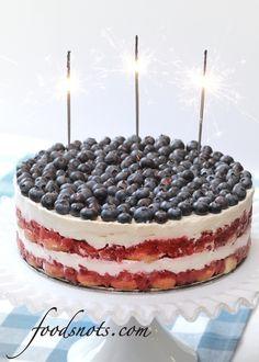 July 4th cake! via Food Snots