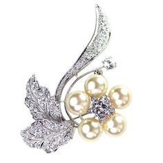 Vintage Rose Pearl and Crystal Brooch - Bridal Jewellery - Crystal Bridal Accessories