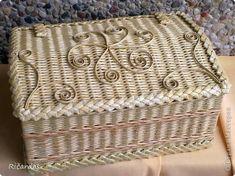 Поделка изделие Плетение Подарки Бумага газетная Трубочки бумажные фото 1