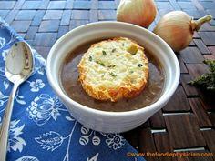 French Onion Soup stew, onions, fall soups, onion soup, french onion, yum, eat, soup recipes, comfort foods