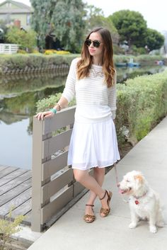 M Loves M is looking oh so stylish in all white. Fortunately for us, labor day is still a few weeks away.   http://www.mlovesmblog.com/2014/07/3-summer-looks-with-old-navy.html