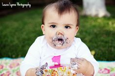 First Birthday party photo pose #girl #firstbirthday #todler