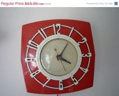 ON SALE: Spartus Atomic Clock - Cherry Red - 1950s Wall Clock - Red and Cream Dream - rare atomic piece #munire @Mrs. H GSL #MadeintheUSA
