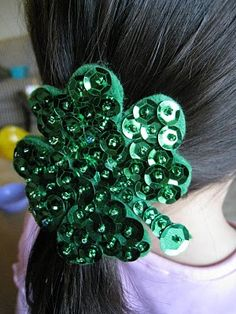 21 Golden St. Patrick's Day Craft Ideas from @AllFreeHolidayCrafts hair clips, saint patricks day, july crafts, easter crafts, halloween crafts, hair ties, craft gifts, holiday crafts, craft ideas