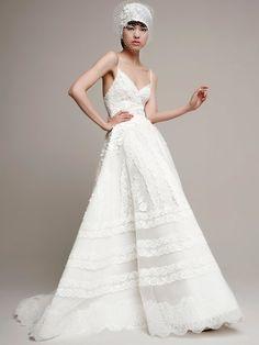 modern-bride-wedding-dress-Guetaia-Yolan-Cris