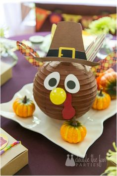 DIY Thanksgiving Turkey Centerpiece Craft www.spaceshipsandlaserbeams.com