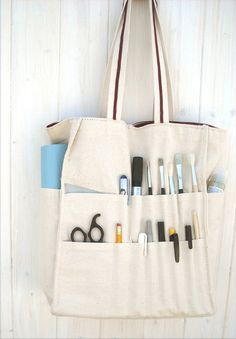 Multipocket storage tote. Sewing inspiration.