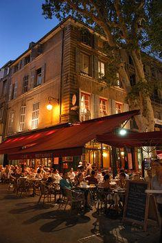 Having dinner in Aix-de-Provence, France