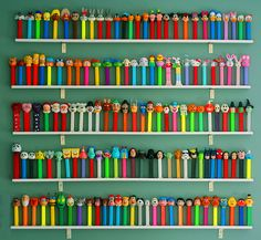:: pez wall display ::