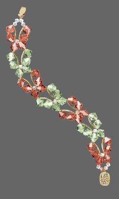 Butterfly Bracelet with SWAROVSKI ELEMENTS. Design copyrighted by Tim Cronkhite, 2009. Design inspired by Dee Dee Simental. FREE Project with Instructions. #FMG Design Idea 9213