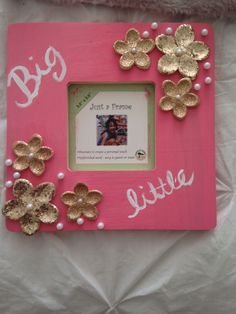 Making a picture frame for a friend is a great idea!!!