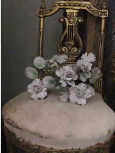 Porcelain French flowers