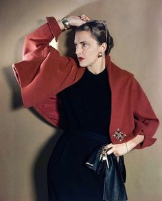 Mrs. Howard Hawks(Slim Keith), photo by Horst, Vogue 1948