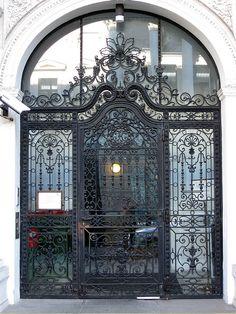 Strauss Door by Via Kali, via Flickr  Vienna, Austria