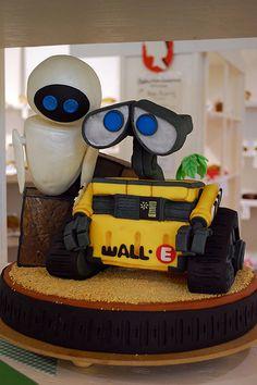 Wall E Cake.  LOVE, LOVE, LOVE!!