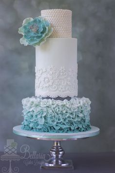Ombre petal ruffles wedding cake - A few weeks ago I participated in a cake design contest from Deleukstetaartenshop Naaldwijk. I have won the first prize! The wedding cake below was made according to my winning design and you can now see this cake at De leukstetaarten shop in Naaldwijk (The Netherlands)