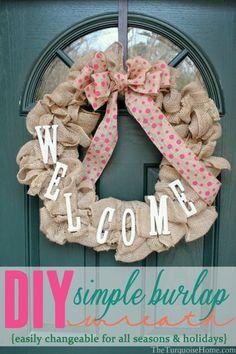 DIY Simple Burlap Wreath {Easily changeable for all seasons and holidays!} #DIY #burlap #wreath