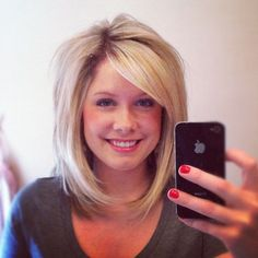 Light shoulder bob and side bang... I wish I could do my hair this short :(