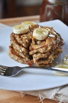 Vegan Banana Oat Pancakes #vegan #breakfast