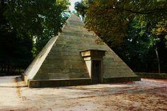 Le piramidi di Firenze. Cascine