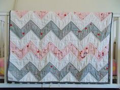 Books Lists Life: Chevron baby quilt or Half Square Triange (HST) quilt