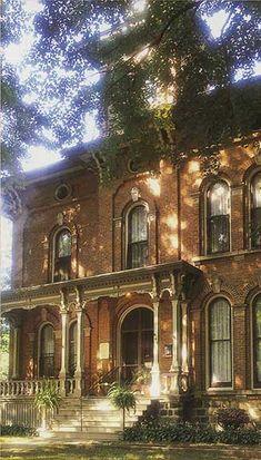 Welcome to the world that is the Victorian villa... Michigan's most celebrated Victorian Inn  http://www.avictorianvilla.com/main_images/villa-main-right.jpg