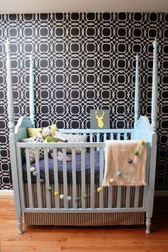 Four poster crib--love!
