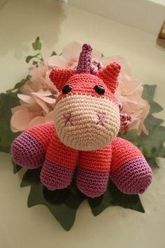 Amigurumi crochet unicorn @Carrie Mcknelly Mcknelly Mcknelly Parr!!!!! Pleaseeeeeee!!!!!!!!!